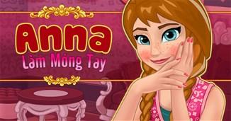 Anna làm móng tay 2