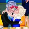 Elsa và Jack hôn lén