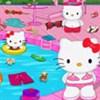 Hello Kitty dọn bể bơi