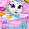 Tắm cho Angela