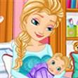 Nữ hoàng sinh em bé