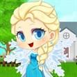 Bé Elsa vào bếp