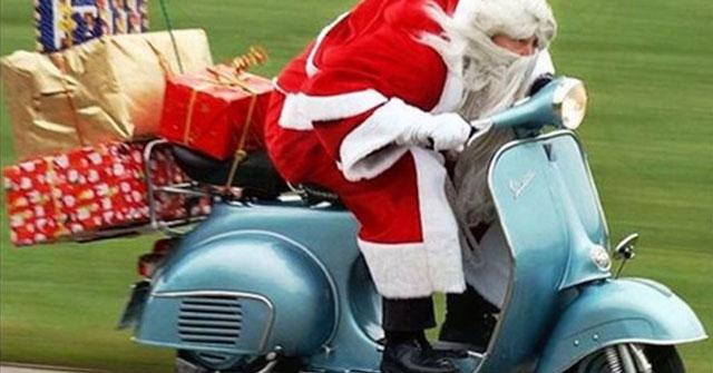 Ông già Noel thường vào nhà để tặng quà cho các bạn nhỏ bằng cách nào?