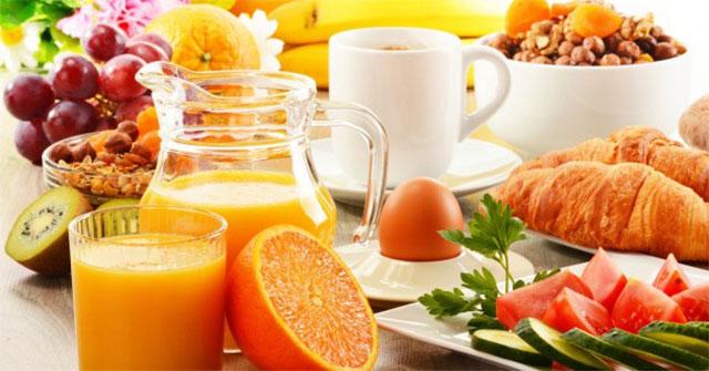 Nên ăn những loại thực phẩm nào để bổ sung vitamin C nhằm tăng cường sức đề kháng?