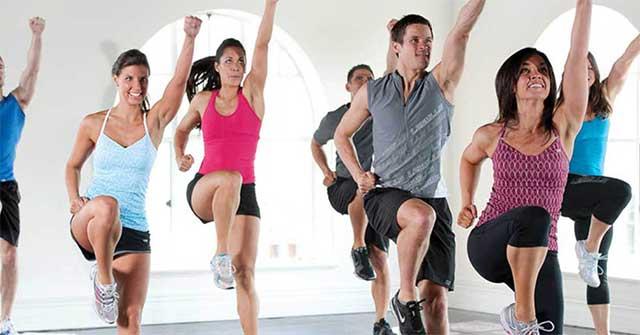 Tập aerobics (thể dục nhịp điệu) đốt cháy được bao nhiêu calo?